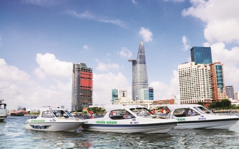 HO CHI MINH city sightseeing by boat